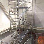 Hliníkové lešenie v stiesnenom priestore schodiska, BA