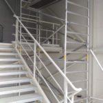 Hliníkové lešenie pre práce v priestore schodiska